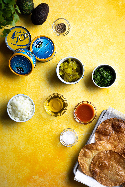 Ingredients to make tuna tostadas